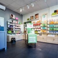 Yves Rocher har både e-handel och fysiska butiker.